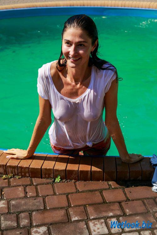 Photo Wetlook Girl Roxana - 5(2021/1)