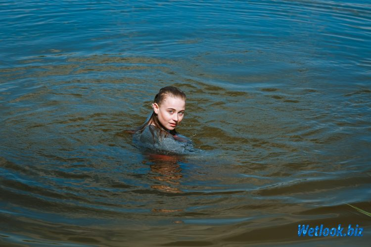 Wetlook girl photo 2 Tonya 1/21