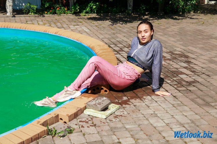 Wetlook girl photo 4 Sveta 1/21