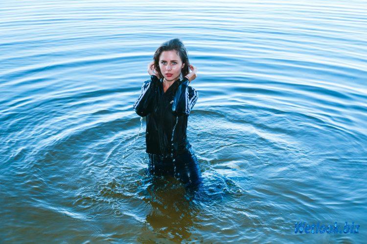 Wetlook girl photo 3 July 4/21