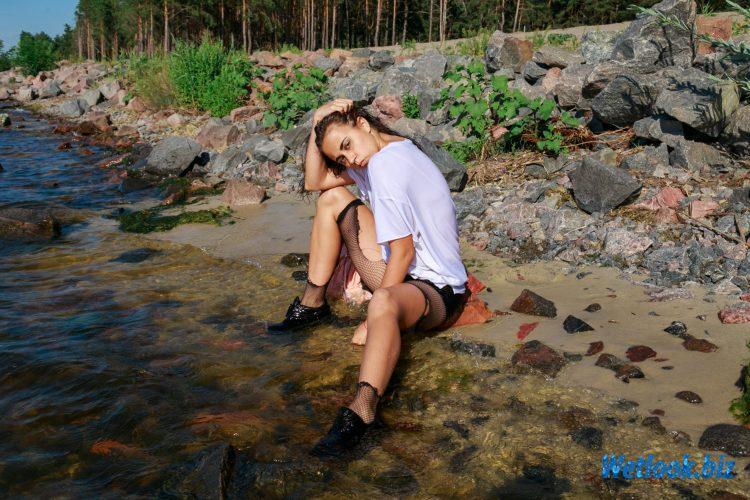 Wetlook girl photo 4 Ashly 2/21