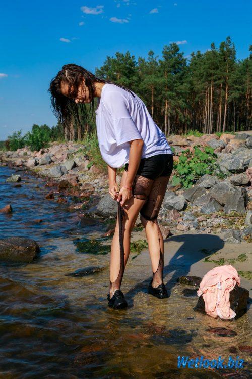 Wetlook girl photo 6 Ashly 2/21