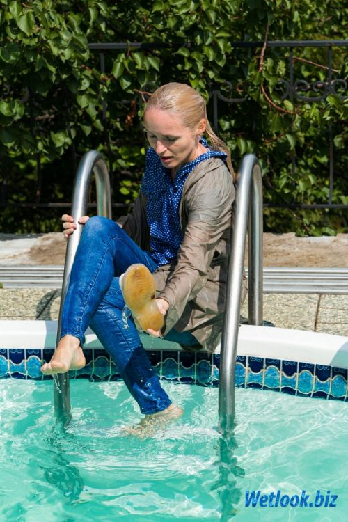 Wetlook girl photo 6 Cindy 2/21