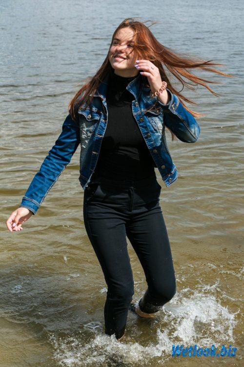 Wetlook girl photo 2 Jane 2/21