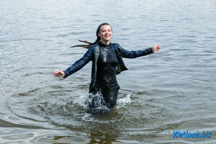 Wetlook girl photo 3 Jane 2/21