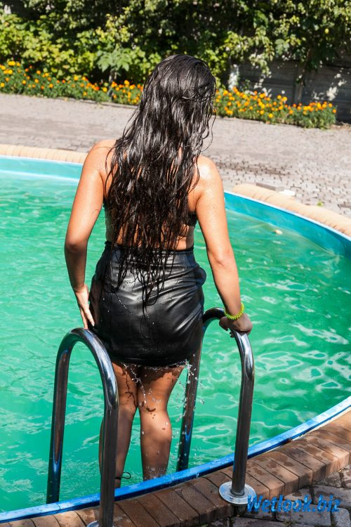Wetlook girl photo 2 Dayanna 2/21