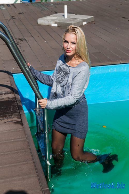 Wetlook girl photo 5 Leila 3/21