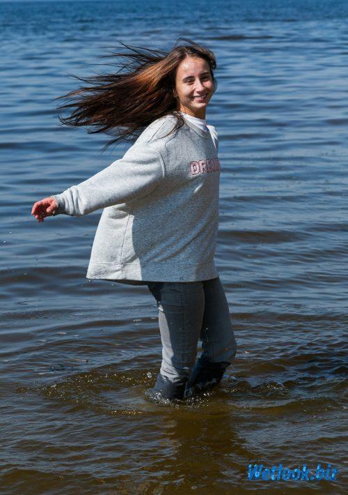 Wetlook girl photo 2 Alena 6/21