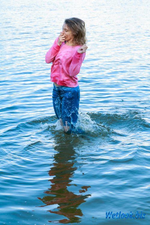 Wetlook girl photo 2 Tasha 5/21