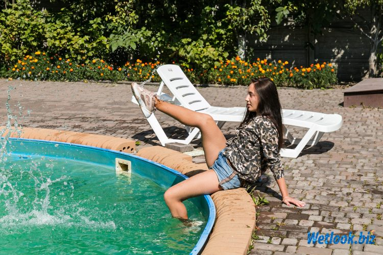 Wetlook girl photo 2 Sveta 2/21 - Wetlook.biz
