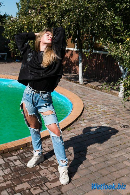 Wetlook girl photo 1 Roxy 3/21 - Wetlook.biz